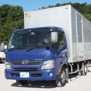2013 HINO DUTRO Box Truck